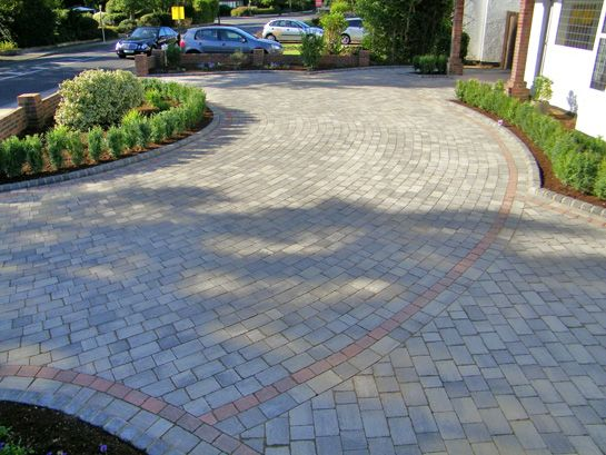 Top 50 ideas about paved driveways on pinterest for Front garden block paving designs