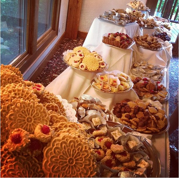 Wedding Cookie Table: 11 Best Cookie Table Images On Pinterest