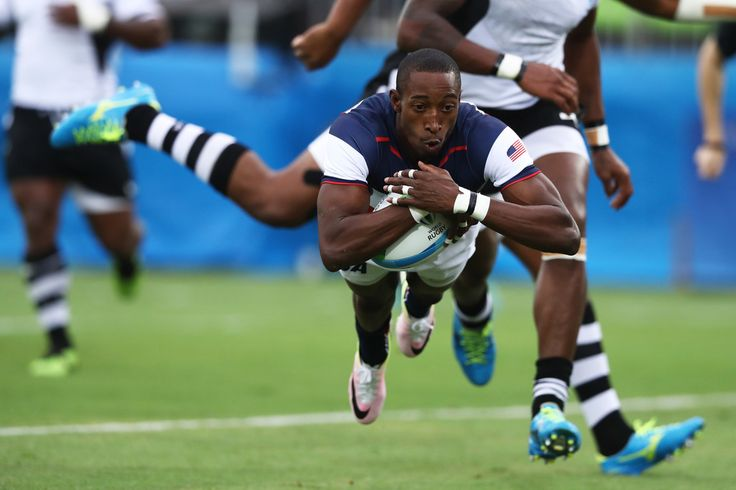 Perry Baker of the United States scores a try during the Men's Pool A, Match 18 Fiji and United States of America on Day 5 of the Rio 2016 Olympic Games at Deodoro Stadium on August 10, 2016 in Rio de Janeiro, Brazil.