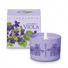 Accordo Viola illatgyertya ibolya illatú - Rendeld meg online! Parfüm és kozmetikum család az olasz Lerbolario naturkozmetikumoktól