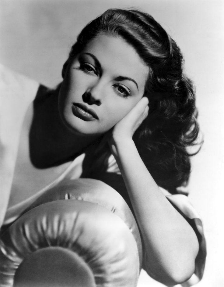 Yvonne De Carlo: She played her first leading role in Slave Girl (1947) and then had her biggest success as the femme fatale lead opposite Burt Lancaster in Criss Cross (1949), after which her career began to ascend. Her performance in The Ten Commandments (1956) as Moses' wife Sephora made her into a first-class actress who could play any kind of role in big-budget films. Unfortunately pop culture has slapped Yvonne with television's Lily Munster as her most widely remembered character.
