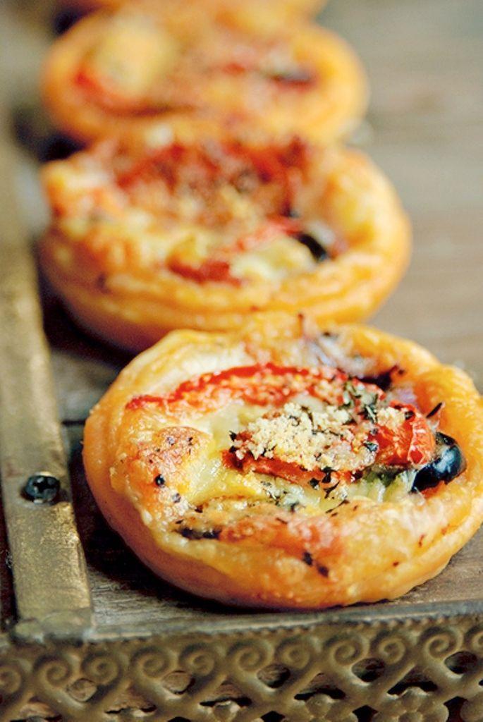 """Het lekkerste recept voor """"Pizza hapjes"""" vind je bij njam! Ontdek nu meer dan duizenden smakelijke njam!-recepten voor alledaags kookplezier!"""
