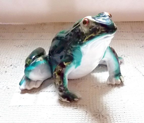 56 best Frog Sculptures images on Pinterest Deko A small and