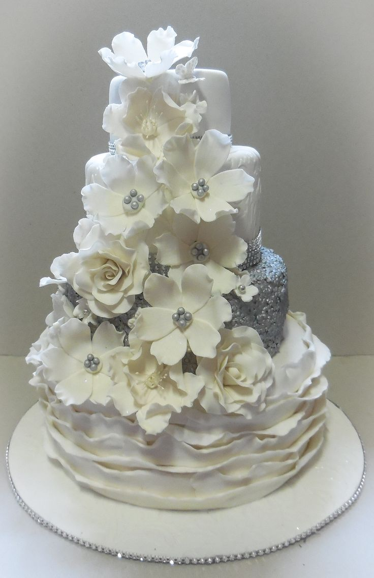SILVER SEQUINS CAKE WITH WHITE FLOWERS