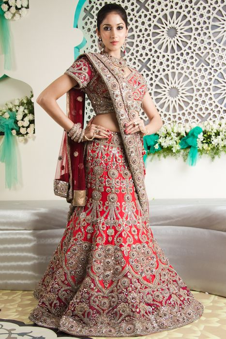 CTC WEST. Red bridal lehenga, Bridal Lengha, Indian wedding clothes, red lehenga, indian bride