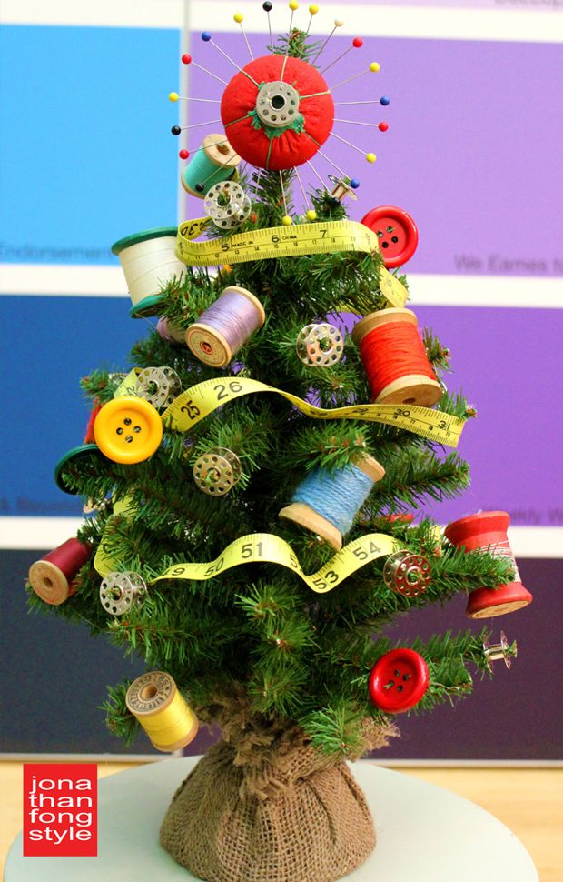 Sewing themed mini Christmas tree ... for the seamstress in your life!