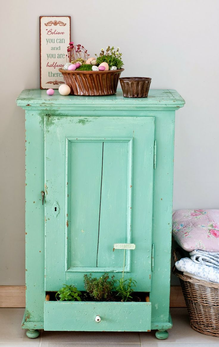 Minty House spring time, minty mint, Eastrer