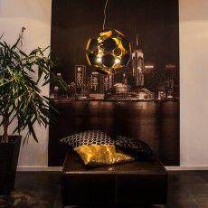 Modern unique globe hanging lamp in black metal // Planet - Sessak #Scandinavian #Nordic