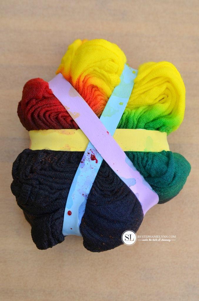 Spiral Tie Dye Technique #tiedyeyoursummer #michaelsmakers