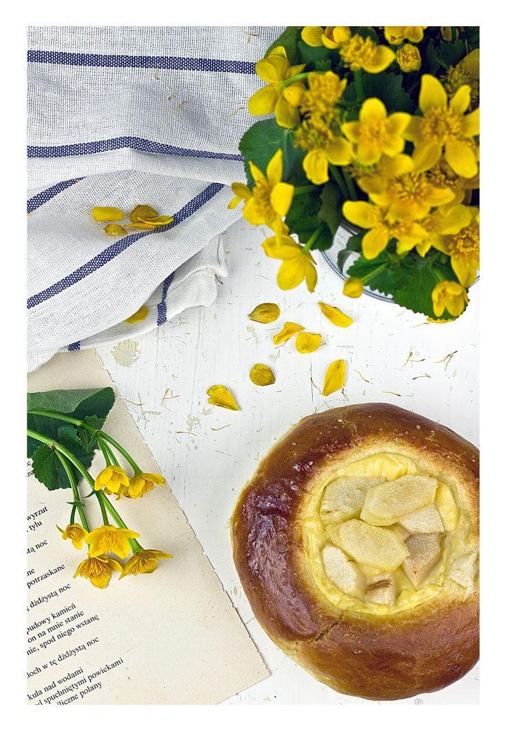 Pear and vanilla pudding buns