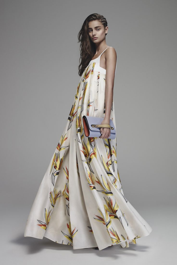 Fendi's Resort 2016 Runway collection is here–and the bird of paradise made an appearance in a big way.