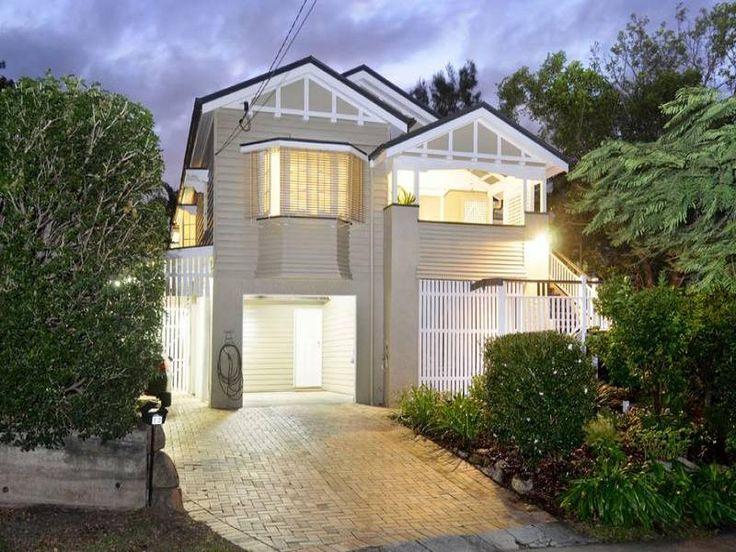 Queenslander classic queenslander homes pinterest for Queenslander exterior colour schemes