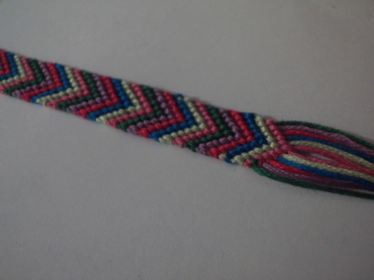 Simple Chevron Friendship Bracelet