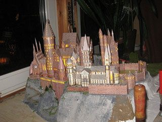 Hogwarts Castle, made out of paper!!  If only I had the time and space for it.
