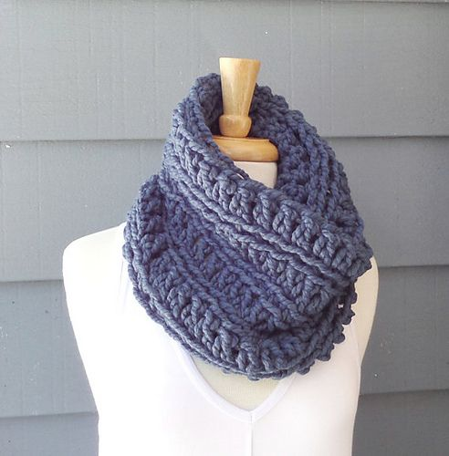 Make this cozy cowl with Lion Brand Wool-Ease Thick & Quick!