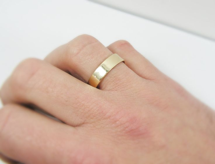 Classic Rounded Wedding Ring for Man