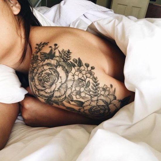 Inspiração: 41 ideias de tatuagens delicadas no ombro para você fazer a sua…