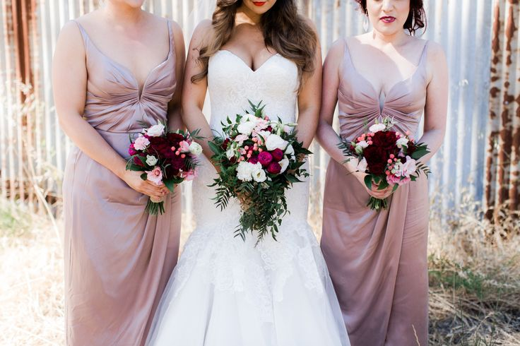 Gracie & Anthony // Wedding Blooms by Simply Stems Boutique Florist // Photography by Julia Archibald Photography