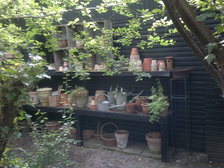 A garden can NEVER have too many work stations tucked away in various hidden places. via - milleschou blog