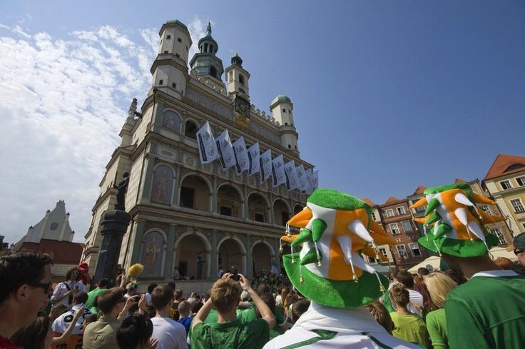 Poznan Poland, kibice na Starym Rynku w trakcie UEFA EURO 2012 [fot.Miasto Poznań]