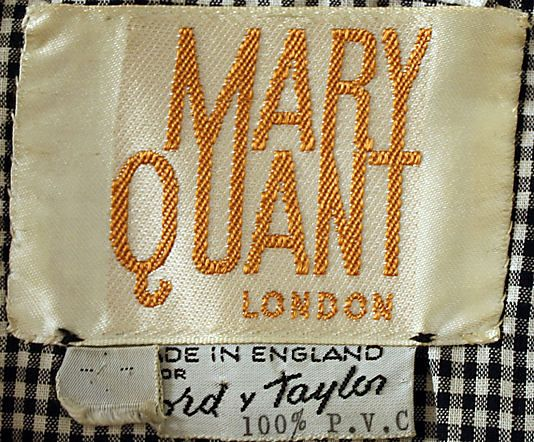 Vintage 1960s clothing label - Mary Quant. The interaction between ascender and descenders are pleasant.