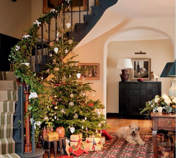 Christmas Decorated Homes: 27 Best Country House Christmas Images On Pinterest