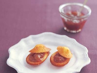 大森 由紀子 さんのぶどうを使った「ぶどうジャム」。ぶどうの風味と鮮やかな色が生きたジャム。旬のおいしさを閉じ込め、長く味わいましょう。マドレーヌやクラッカーなどにのせても。 NHK「きょうの料理」で放送された料理レシピや献立が満載。