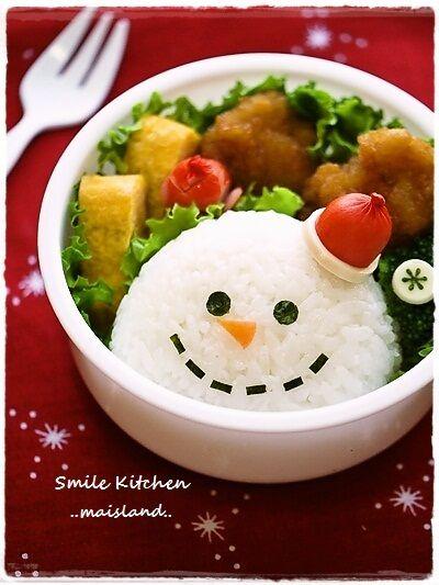 Snowman rice ball Follow THIS SITE-CUTEST http://pinterest.com/takekayoda/kyaraben-japanese-style-lunchbox/