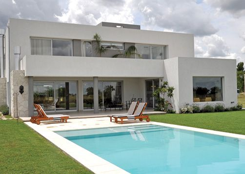 Fredi Llosa y Arquinova Casas. Màs info y fotos en www.PortaldeArquitectos.com