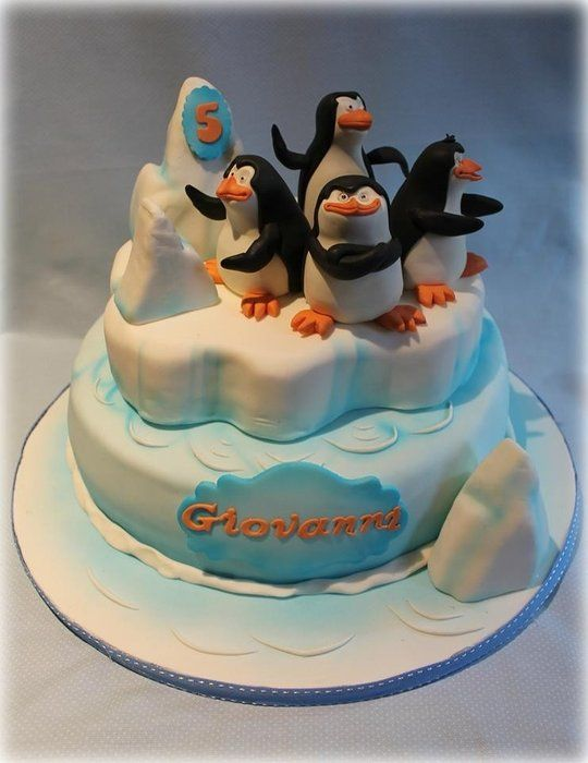 The Penguins of Madagascar - by Sabrinup @ CakesDecor.com - cake decorating website