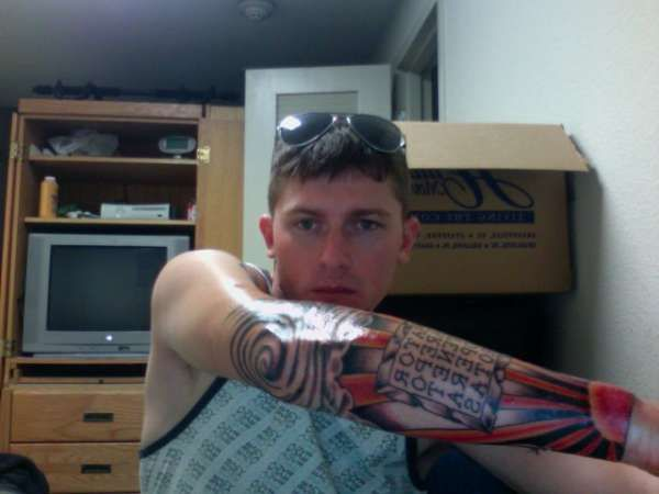 The Japanese rising sun tattoo can also be worn as a sleeve. It can ...