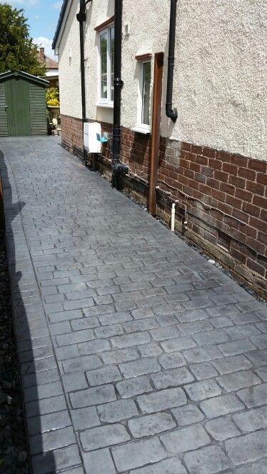 Cheshire Cobble, printed concrete chester. Pattern imprinted concrete UK. www.dee-print.co.uk