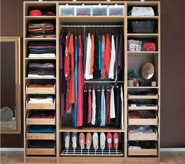 Come pulire l'armadio e organizzare al meglio il cambio stagione