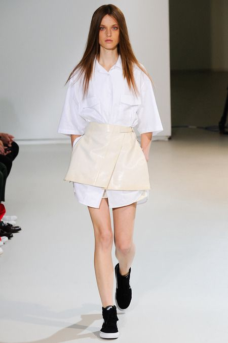 Yang Li Spring 2014 Ready-to-Wear Collection Slideshow on Style.com