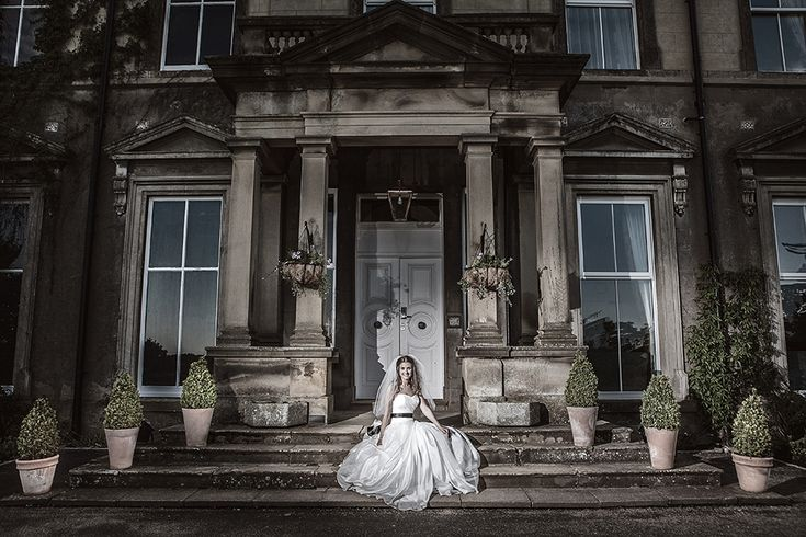Hothorpe Hall, Theddingworth, Leicestershire was the chosen wedding venue for Kirsty