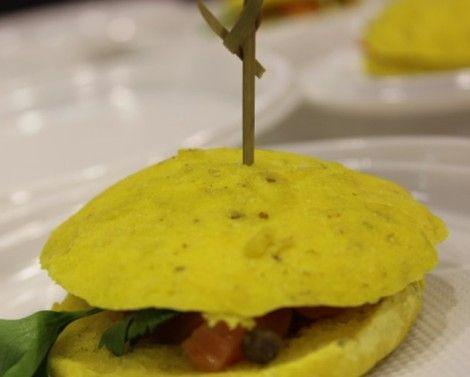http://www.oggi.it/cucina/ricetta/focaccina-senza-glutine-con-zucchine-e-zafferano/
