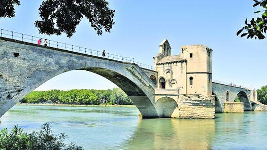 Avignon, un puente hacia la historia europea