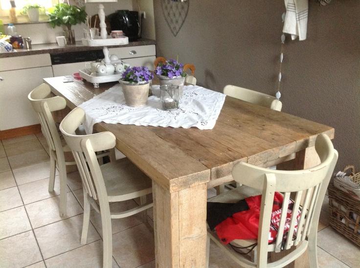 Keukentafel van steigerhouten balken!