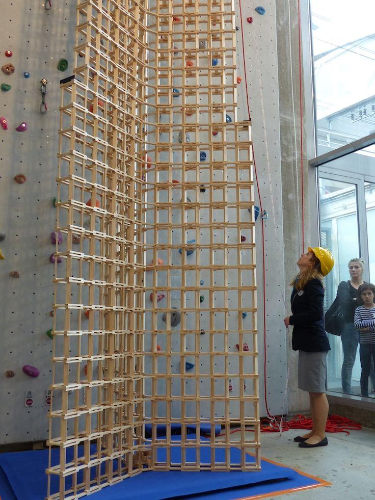 Record du monde de la tour la plus haute construite en planchettes KAPLA