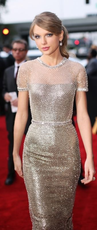 Taylor Swift in Gucci at the Grammys 2014. I can't stand her, but she really does dress well