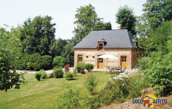 Holiday cottage on an old farmstead in over a hectare of lovely wooded grounds.