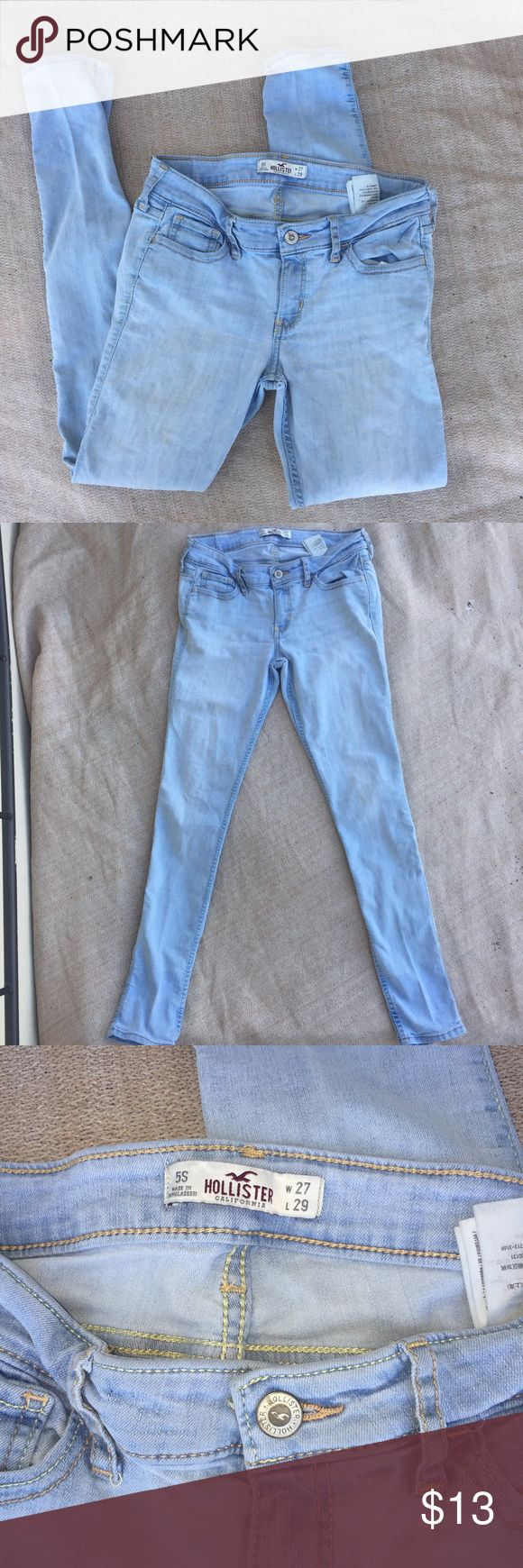 Hollister Light Wash Skinny Jeans Hollister light wash skinny jeans. Size 5s. W27 L29. Hollister Jeans Skinny