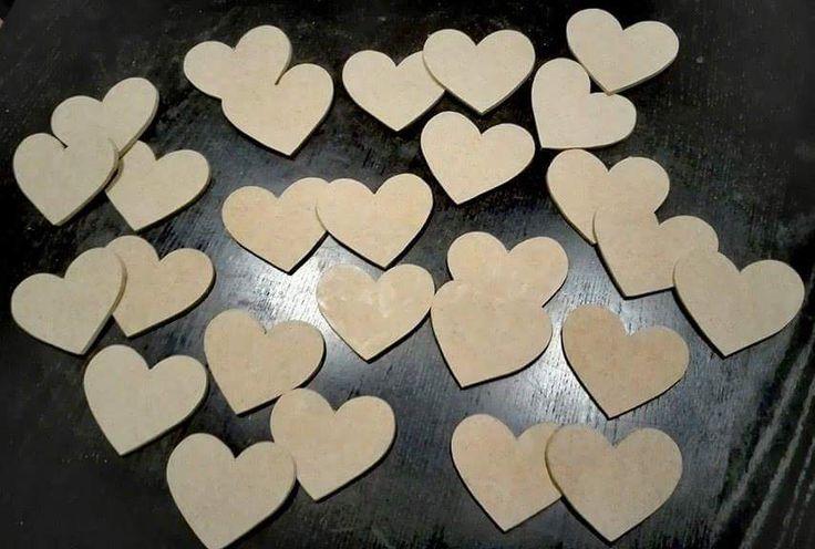 Ξύλινες καρδιές μπομπονιέρες χειροποιητες...
