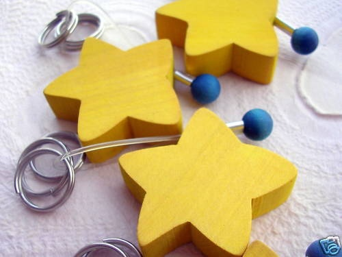 WOOD STAR KEYCHAIN