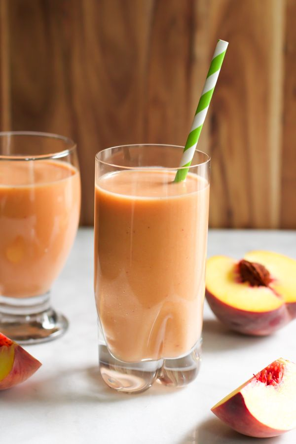 Peach Carrot Smoothie - delicious dairy-free recipe! primaverakitchen.com