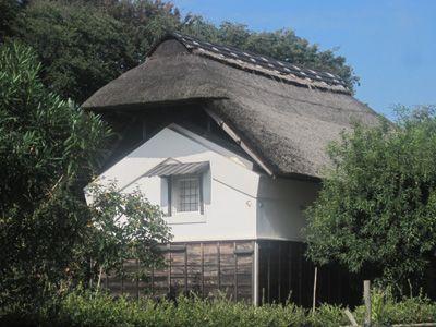 横浜の趣きある茅葺き屋根の古民家がある場所を教えて![はまれぽ.com]