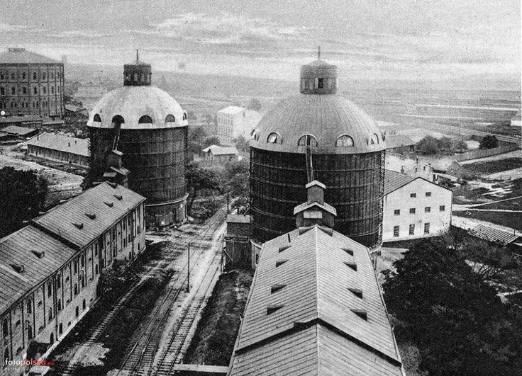 Lata 1927-1928. Elewatory warszawskie na Woli. W głębi na lewo widoczny budynek Gazowni miejskiej. Źródło: fotopolska.eu
