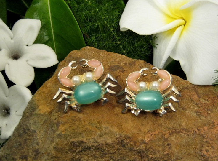 Vtg 1960s Figural Crab Scatter Pins Pink Green Jelly Belly Cabochon Brooch Pair