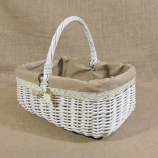 Biały wiklinowy koszyk z obszyciem - wzór lenda