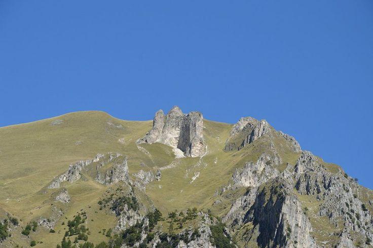 La Priora vista dalla Valleria, all'ingresso delle Gole dell'Infernaccio